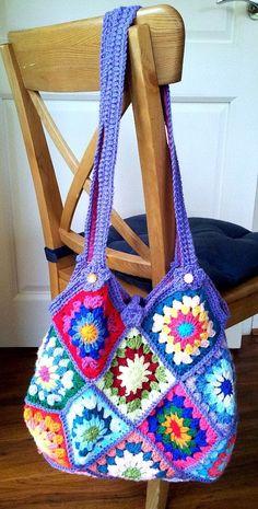 56 Awesome Granny Square Crochet Bag Pattern Ideas Part 5 Bag Crochet, Crochet Shell Stitch, Crochet Market Bag, Crochet Handbags, Crochet Purses, Granny Square Bag, Granny Square Crochet Pattern, Crochet Granny, Crochet Squares