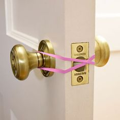 Use a rubberband if you want to keep your door open. (For example, when you're carrying groceries.) | Community Post: 41 Creative DIY Hacks To Improve Your Home