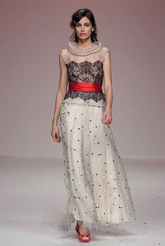 Vestido de Matilde Cano by sposabella.es, via Flickr