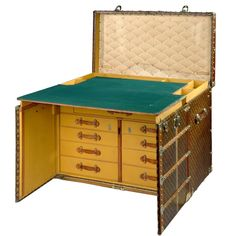 I want this steamer trunk desk in my living room to sew on!