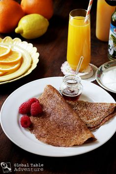 """How to make Emirati yeast-risen """"crêpes"""" made with dates & whole wheat flour, called Muhalla."""