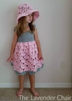 This fallng fans dress is the first of many to come in the falling fans collection. Get the FREE an fun crochet pattern HERE!