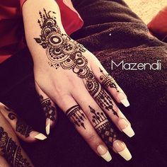 Henna Hand. like how it looks kinda freehanded