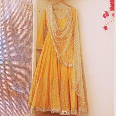 Warm tones of Haldi Yellow and classic Abhinav Mishra mirror-work for that wedding 💛 Indian Wedding Outfits, Indian Outfits, Pakistani Outfits, Indian Designer Outfits, Designer Dresses, Indian Designers, Eastern Dresses, Designer Bridal Lehenga, Indian Gowns Dresses