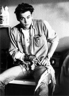 Young Johnny depp <3.... but he looks better now all tattooed up =)