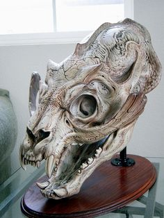 Skull of Sammael of Hellboy Animal Skeletons, Animal Skulls, Animal Skull Drawing, Skull Drawings, Skull Reference, Hand Reference, Pose Reference, Sculpture Art, Sculptures