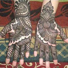 Latest Mehndi Designs For Engagement In 2020 Full Mehndi Designs, Mehandhi Designs, Indian Mehndi Designs, Latest Bridal Mehndi Designs, Stylish Mehndi Designs, Mehndi Design Pictures, Mehndi Designs For Girls, Wedding Mehndi Designs, Beautiful Henna Designs