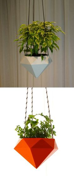 Indoor Container Gardening 30 Unique Hanging Planters To Help You Go Green - Inspiring hanging planters in wood, glass, porcelain, and more - everything you need to start a vertical garden indoors or out. Hydroponic Gardening, Container Gardening, Indoor Gardening, Gardening Tips, Organic Gardening, Plant Containers, Urban Gardening, Stone Patio Designs, Herbs Indoors