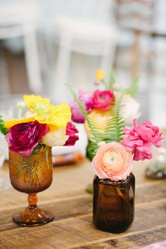 Photography : Katie Lopez Photography | Styling : Earth and Sugar | Floral Design : Julia Rohde Designs