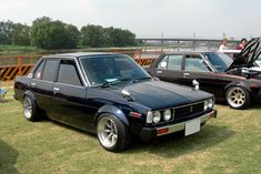 toyota corolla with overfenders and watanabe's Corolla Ke70, Corolla Wagon, Toyota Aygo, Toyota Cars, Toyota Corona, Car Chevrolet, Mitsubishi Eclipse, Japanese Cars, Jdm Cars