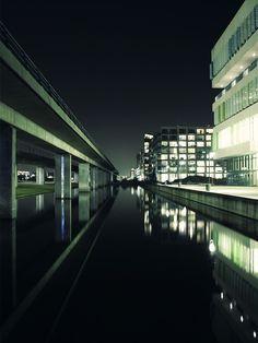 Nightlines: By KIM HØLTERMAND
