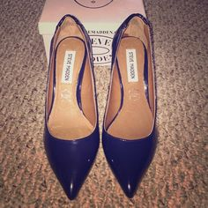 Navy patent leather Steve Madden heels Brand new never worn Steve Madden navy blue patent leather pointed heels with a 3 inch heel and quilted backing Steve Madden Shoes Heels
