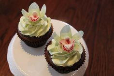 fondant orchid cupcakes like this I made for my friends wedding