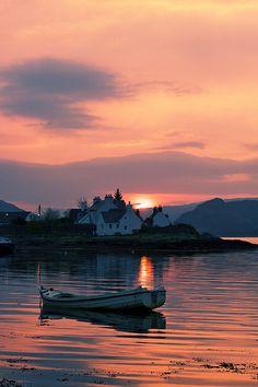 Beautiful Plockton, Scotland #travel #traveltips #beautifulplacesintheworld  http://travelideaz.com/