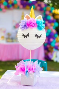55 Epic Unicorn Party Ideas Simple to use paper plate for head. Diy Unicorn Birthday Party, Rainbow Birthday, 1st Birthday Parties, Birthday Ideas, Rainbow Unicorn Party, Unicorn Centerpiece, Diy Unicorn Party Decorations, Star Decorations, Party Banner