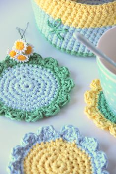 Tejidos - Knitted - Coasters & Basket