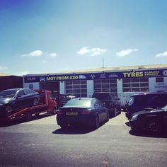 Oaks looking resplendent in the evening sun! Thank you for your continued support, as such we are offering Air Con re gas at a reduced price of only £35. Which should make things a little easier during the summer heatwave 🌞 🚗 #oaks #garage #canterbury #regas #aircon