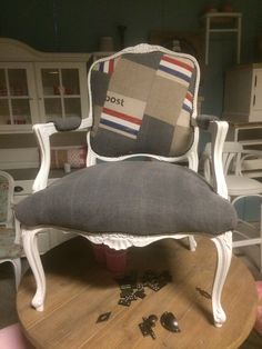 Gestoffeerd fauteuil met patchwork. Stoer en eigentijds. @Oudisnieuw