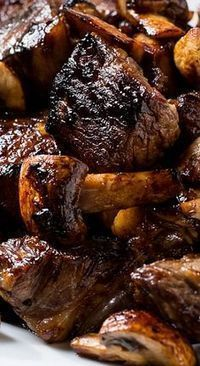 >>>Cheap Sale OFF! >>>Visit>> The steak is cut into bite-sized pieces and marinated in honey brown sugar garlic bourbon soy sauce and Worcestershire sauce plus some red pepper flakes for a little heat. Think Food, Beef Dishes, Honey Brown, Brown Sugar, Food To Make, Crockpot, Food And Drink, Cooking Recipes, Cooking Tips