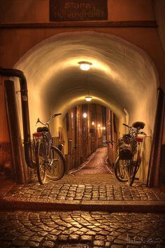 Street in the Old Town of Stockholm by zaibatsu ... wish I get the opportunity to cycle here! Any sponsor listening?!