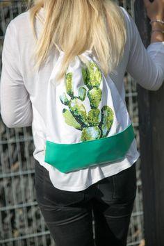 Trendy City Bag for your City Trip - Cactus City Bag with Leatherette #ppd #paperproductsdesign #citybag #turnbeutel #travel #reisen #2go #cactus #kaktus #trend #fashion