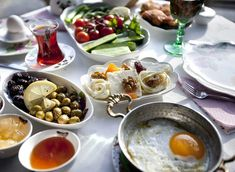 It's difficult not to find fans of the typical Turkish breakfast among nutritionists and gourmands alike. The impressive spread of meze-style dishes starts with olives, tomato, white cheese, parsley (squeezed with lemon) and moves on to eggs, honey, cubanelle peppers, cucumbers, garlic sausage, and savory pastries.