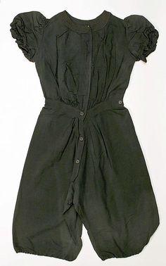 Beachwear (Bathing Suit)  Date: early 20th century Culture: American or European Medium: wool