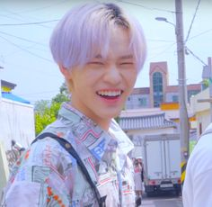 This cutie pie Nct Chenle, I Have No Friends, Cute Icons, Daily Photo, Boyfriend Material, Funny Faces, Taeyong, Jaehyun, Nct Dream