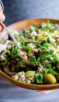 Spinach Pecan Brown Rice Salad with Feta makes a healthy weekday lunch or a hearty salad for a weekend picnic. An easy, make ahead cold rice salad. This recipe is vegetarian, easily vegan + gluten free recipes healthy easy lunches Rice Salad Recipes, Rice Recipes For Dinner, Brown Rice Recipes, Vegetarian Recipes, Cooking Recipes, Healthy Recipes, Healthy Salads, Healthy Eating, Salads For Lunch