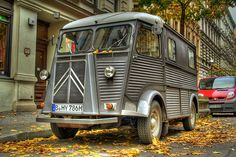 Le Citroën Type H. This makes me think of Cars. I think we should call him Stanley or maybe Herbert.