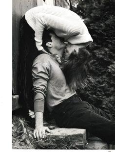 floriental: Linda Evangelista and Kyle MacLachlan by Steven...