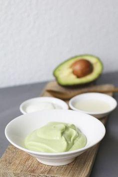 Natuurlijk haarmasker van avocado, Zelf haarmaskers maken, Haarmasker zonder zooi, DIY avocado masker, Hairmask avocado, DIY hairmask, Hairmask dry hair, Natural hairmask