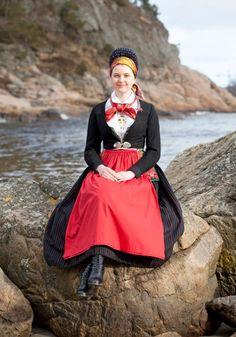Scandinavian Folklore: Dress from Vest-Agder, Norway Traditional Fashion, Traditional Dresses, European Costumes, Costumes Around The World, Folk Clothing, Folk Fashion, Folk Costume, Beautiful People, Fashion Dresses