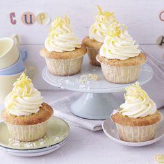 Zitrusfrischer Augenschmaus für die Kuchentafel. Die kleinen Kuchen werden alle Gäste lieben, sollen wir wetten?