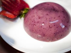 If you love jellies, here is a healthy version. Berry jelly with agar.