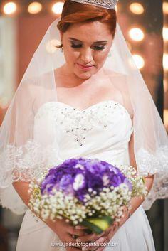 Buquê de noiva de Lisiantros roxos