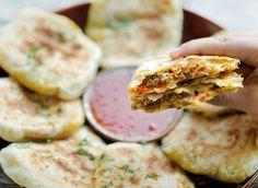 Msmen met gehakt | Kookmutsjes Ebi Tempura, Empanadas, Salmon Burgers, Bbq, Ethnic Recipes, Moroccan Recipes, Snacks, Dinner, Desserts