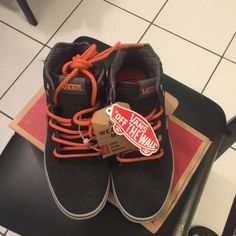 VANS   Guys size 5 Hi Top VANS MTE All Weather Mountain Edition VANS . Warm  Inner Lining  76de5e216