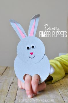Over 25 Bunny Craft Ideas and DIY Projects - Fun Loving Families - Quick and easy spring kids craft: paper bunny finger puppet. Lots of other great bunny crafts here, - Spring Crafts For Kids, Projects For Kids, Art For Kids, Art Projects, Easter Projects, Simple Crafts For Kids, Crochet Projects, Easter Ideas, Rabbit Crafts
