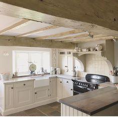 home design decor Happy Kitchen, New Kitchen, Vintage Kitchen, Kitchen Things, Vintage Farmhouse, Kitchen Ideas, Cottage Kitchen Renovation, Farmhouse Interior, Kitchen Interior