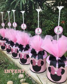 Fiesta Mickey Mouse, Mickey Mouse Cookies, Minnie Cake, Pink Minnie, Minnie Mouse Birthday Theme, Baby Girl 1st Birthday, Minnie Mouse Party, Party Centerpieces, Deco Table
