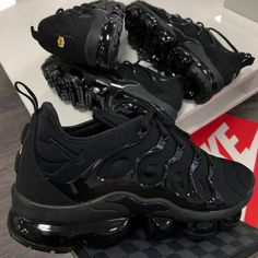 online retailer 90c07 5639d There is 1 tip to buy shoes, black, nike vapormax.