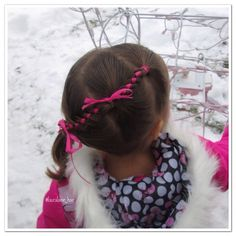"""Diagonal 4 strands with ribbon into a side pony... and our mechanical reindeer decoration! This one was inspired by the lovely @girlzhaircreations .  I…"""