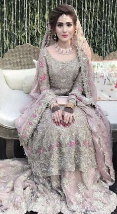 513 best pakistani bridal images in 2019 Pakistani Wedding Outfits, Pakistani Bridal Dresses, Pakistani Wedding Dresses, Indian Dresses, Walima Dress, Asian Bridal Dresses, Pakistani Hair, Pakistani Bridal Hairstyles, Pakistani Bridal Lehenga