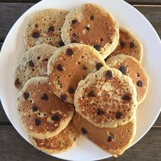 Looking for some breakfast inspo? Try these Healthy Chia Choc Chip Pancakes, the kids will LOVE them! Get the full FREE recipe here: Healthy Mummy Recipes, Healthy Kids, Snack Recipes, Cooking Recipes, Snacks, Crepes And Waffles, Pancakes, Easy Desserts, Chips