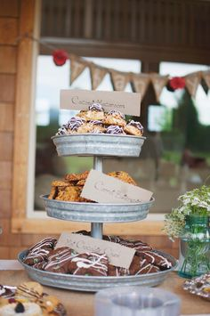 Wedding Food great presentation for rustic or outdoor-themed wedding fare - Country Burlap And Lace Wedding photographed by Patrick Ang Photography and designed by Fairy Godmother Graduation Open Houses, Graduation Party Decor, Grad Parties, Graduation Ideas, Wedding Desserts, Wedding Reception Decorations, Wedding Ideas, Cookie Display, Cookie Table