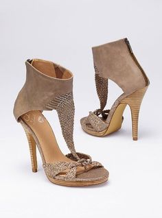 Must have natural woven zip sandal bootie