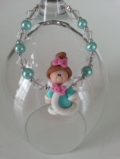 Here is an unique gift for little girl. ( 3 years old and over ) A bracelet made with a cute princess in fimo and glass beads in turquoise blue color. Lengh : 6 inches * Included : an organza pounch Princess Baby Dolls, Princess Gifts, Cute Princess, Little Princess, Bracelet Turquoise, Turquoise Jewelry, Aluminum Wire Jewelry, Prom Jewelry, Wedding Jewelry