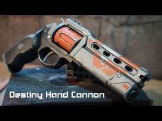 Tutorial for my Destiny Hand Cannon foam prop replica build! Check out the video and learn how to make your own Destiny weapon out of EVA foam! Cosplay Tutorial, Cosplay Diy, Cosplay Outfits, Cosplay Ideas, Costume Ideas, Destiny Helmet, Destiny Game, Destiny Hand Cannon, Punished Props