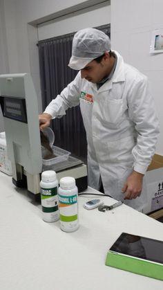 Noticias > Ecoforce apuesta por la calidad y registro de nuestros productos. Control calidad Harinas de roca y Humus.